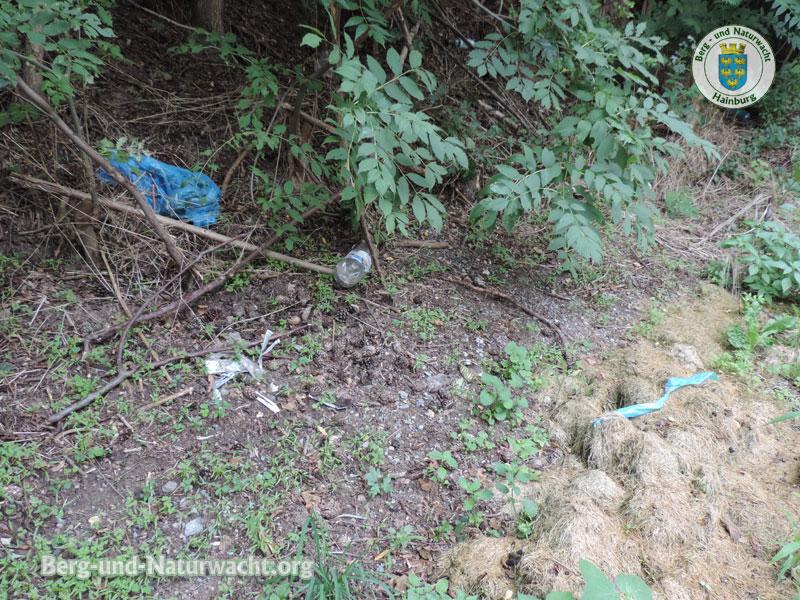 illegale Müllentsorgung im Grünland | Foto: Berg-und-Naturwacht.org