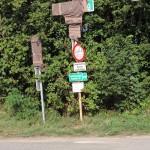 nun abgedeckte Beschilderungen der Radwege | Foto: Berg-und-Naturwacht.org