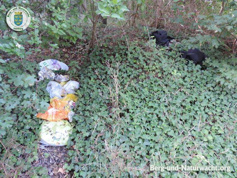 Fundstelle der illegalen Müllentsorgung am Schloßberg | Foto: Berg-und-Naturwacht.org